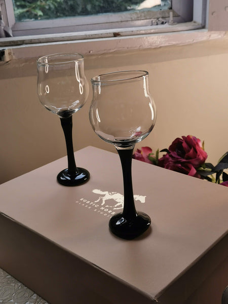 Rustic Horse-  Magnificent Onyx Black   Wine Glasses Festive Gift pack