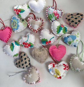Mini Christmas Hanging Hearts