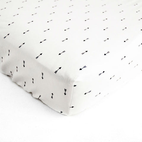 mini navy arrow crib sheet