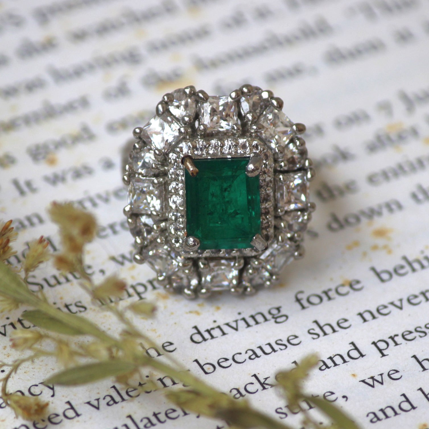SWAROVSKI & EMERALD RING