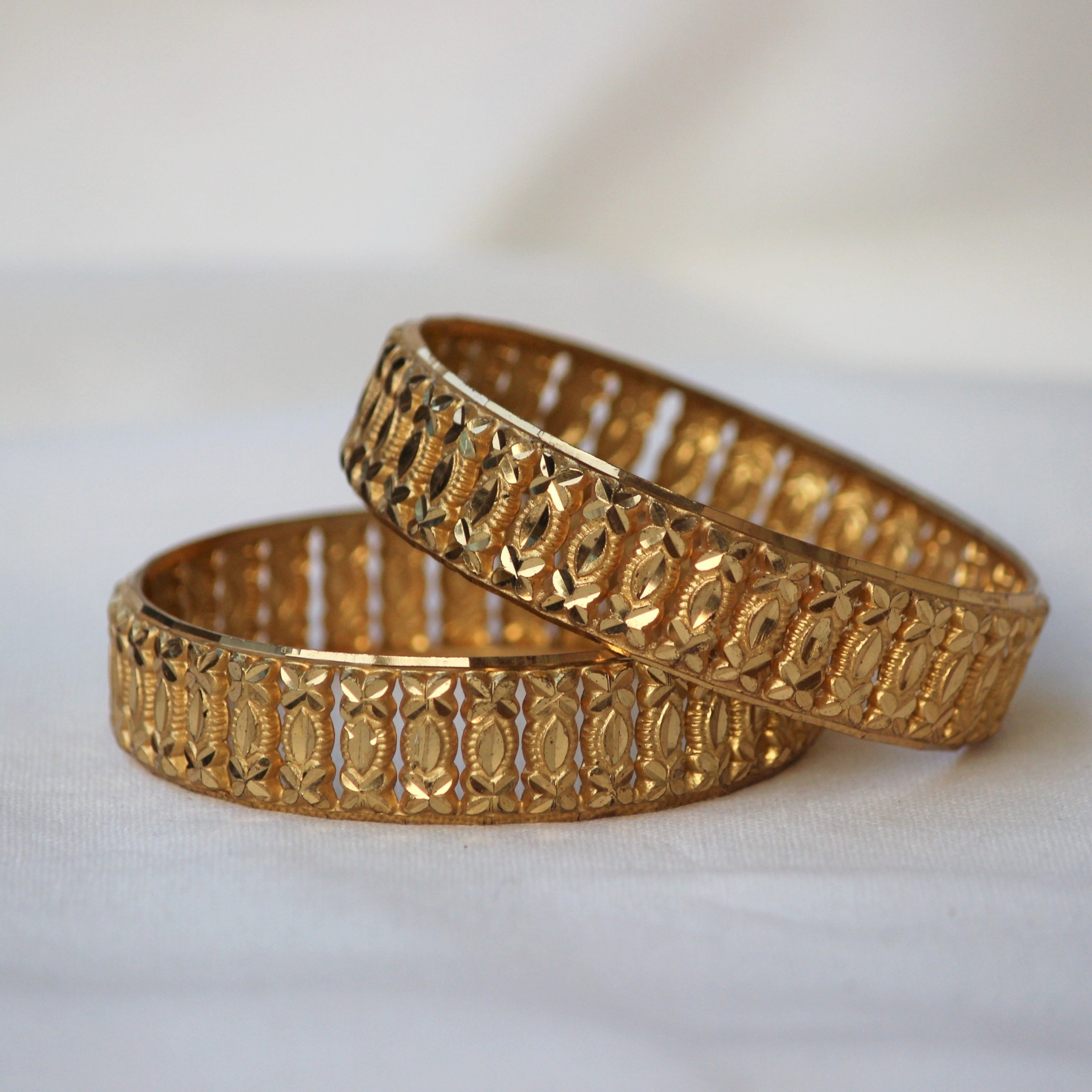 GOLD PLATED BANGLES