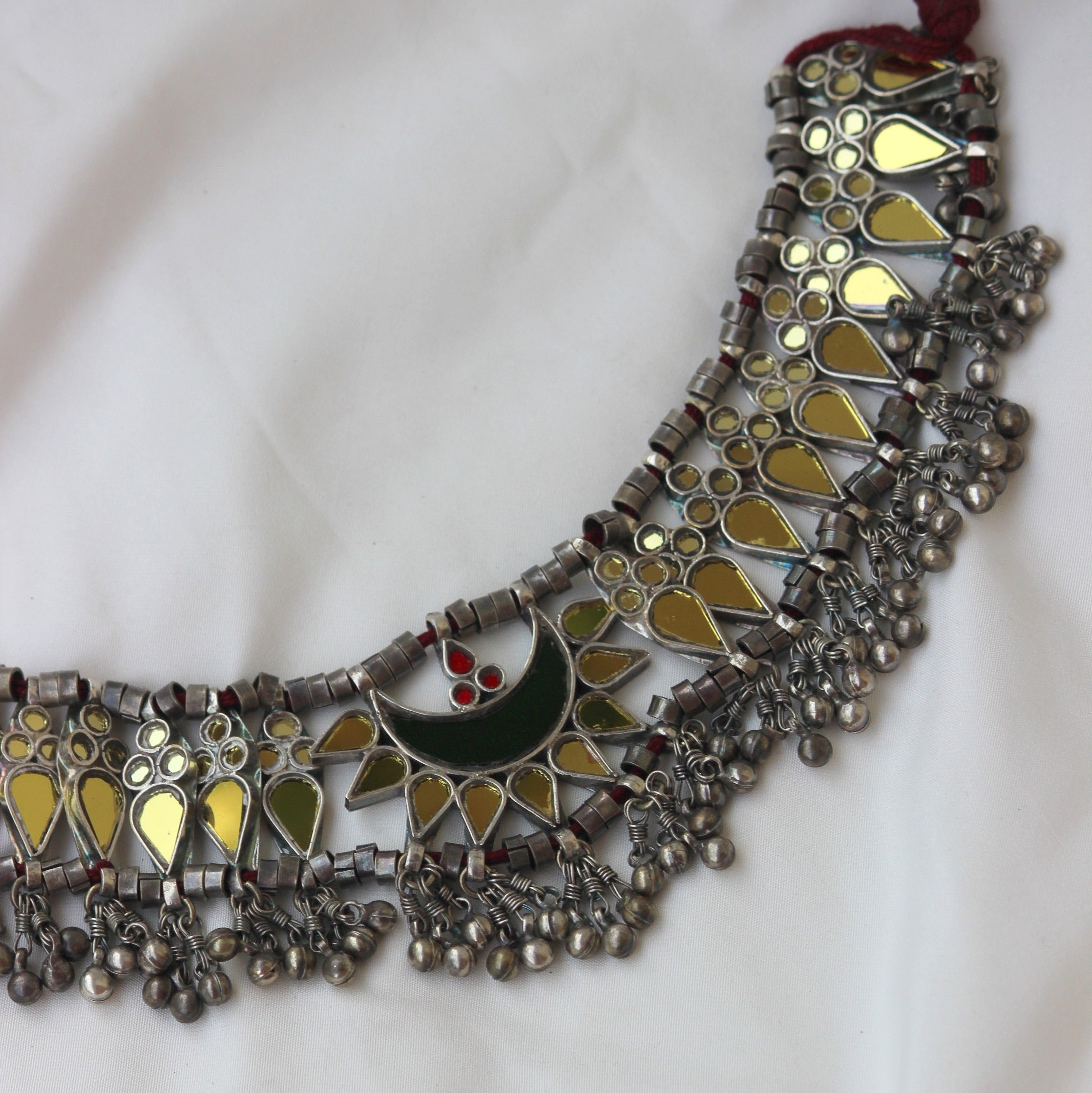 MIRROR WORK NECKPIECE ROUND THE NECK