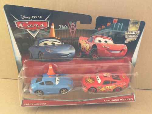 DISNEY CARS DIECAST - Sally With Cone and Lightning McQueen