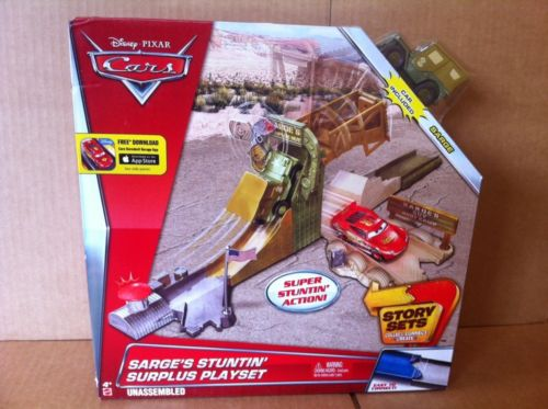DISNEY CARS Story Sets - Sarge's Stuntin' Surplus Playset With Sarge