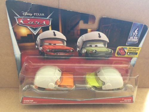 DISNEY CARS DIECAST - Grem and Acer with Helmet