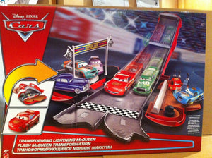 DISNEY CARS  - Transforming Lightning McQueen - Story Sets