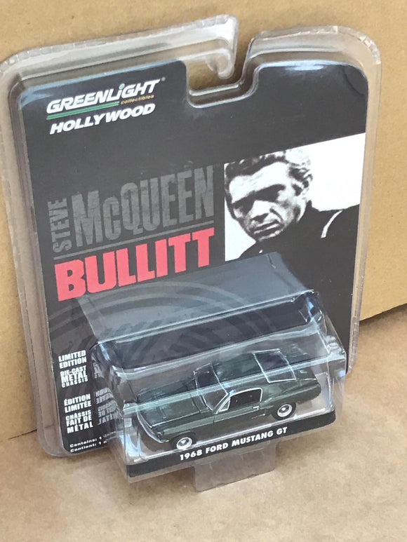 Greenlight Hollywood Diecast - Steve McQueen Bullitt - 1968 Ford Mustang GT