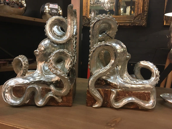 Silver Colour Pair of Octopus Bookends 20 cm High x 15 cm Wide x 13 cm Deep each - Steampunk