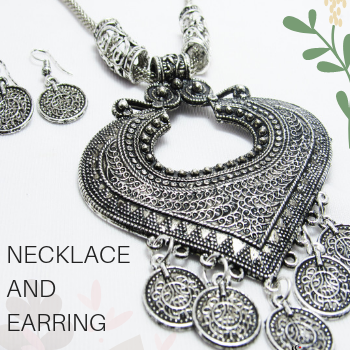 Saundraa Necklace Collection