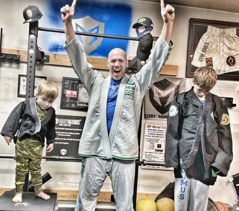 Bobby Maximus BJJ training with his kids