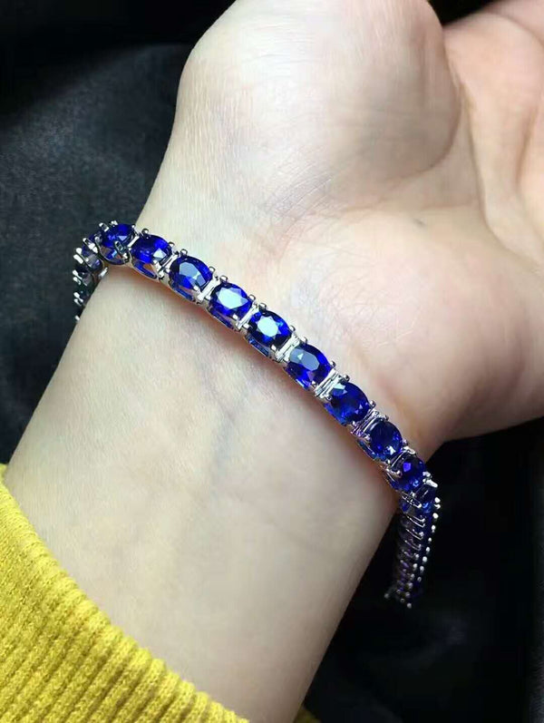 13.6 Carat Royal Blue Color Sapphire Tennis Bracelet - Hearts & Diamonds