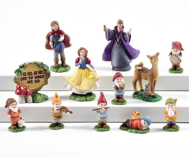 Snow White- Set of 11 - With or Without Display Base