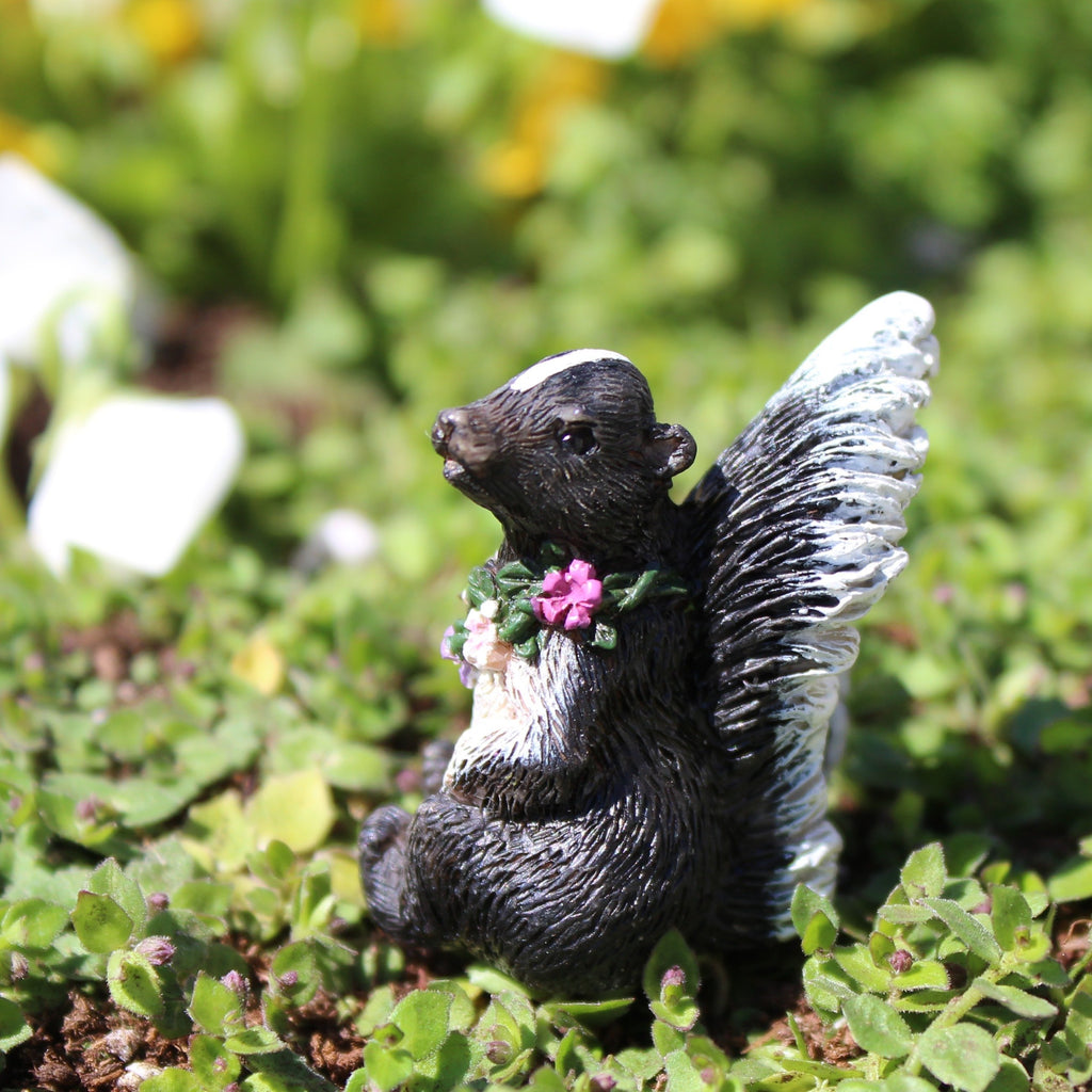 Fairy Garden-Flower The Skunk-Animals-Wholesale Fairy Gardens-MyFairyGardens