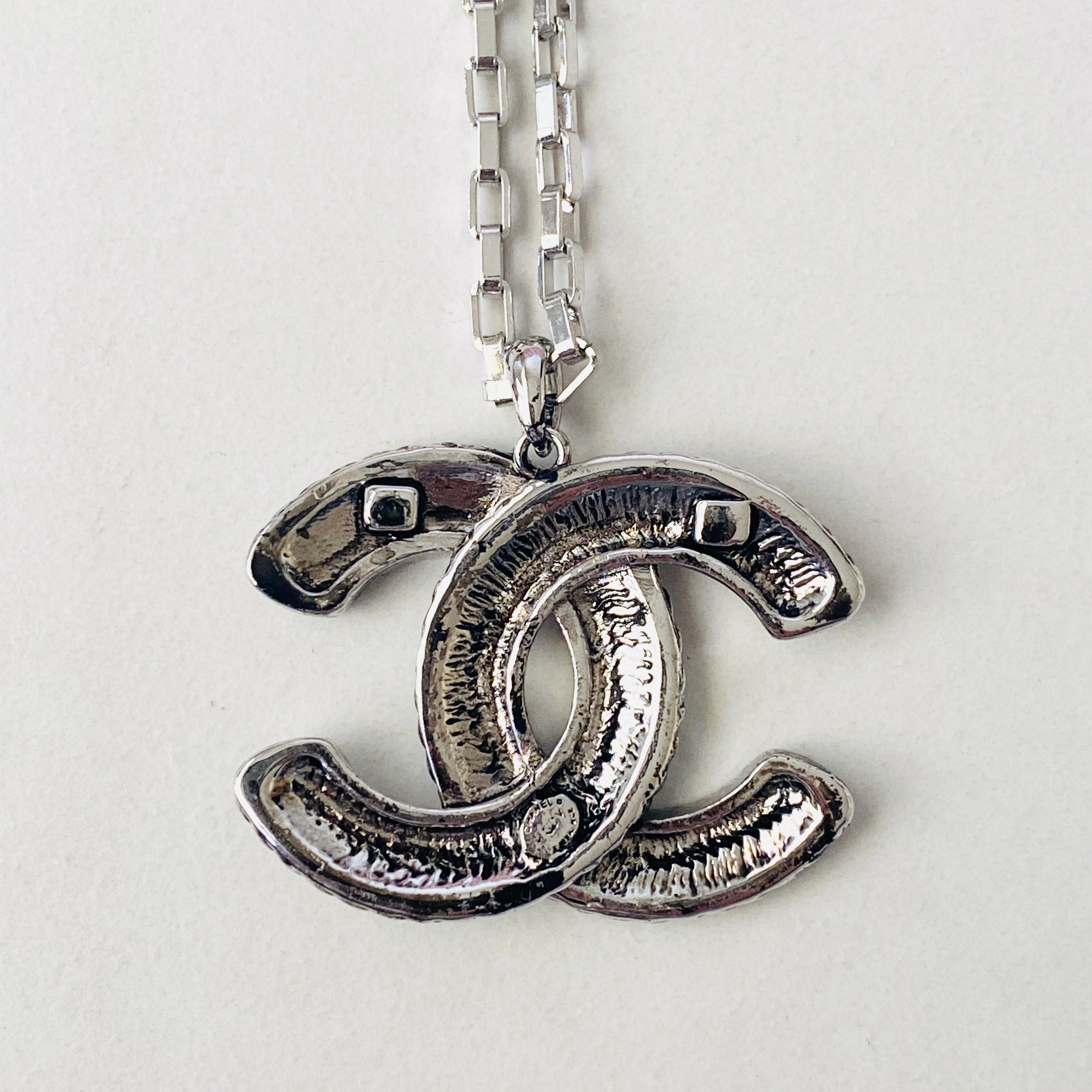 CC White Gold Pendant Necklace