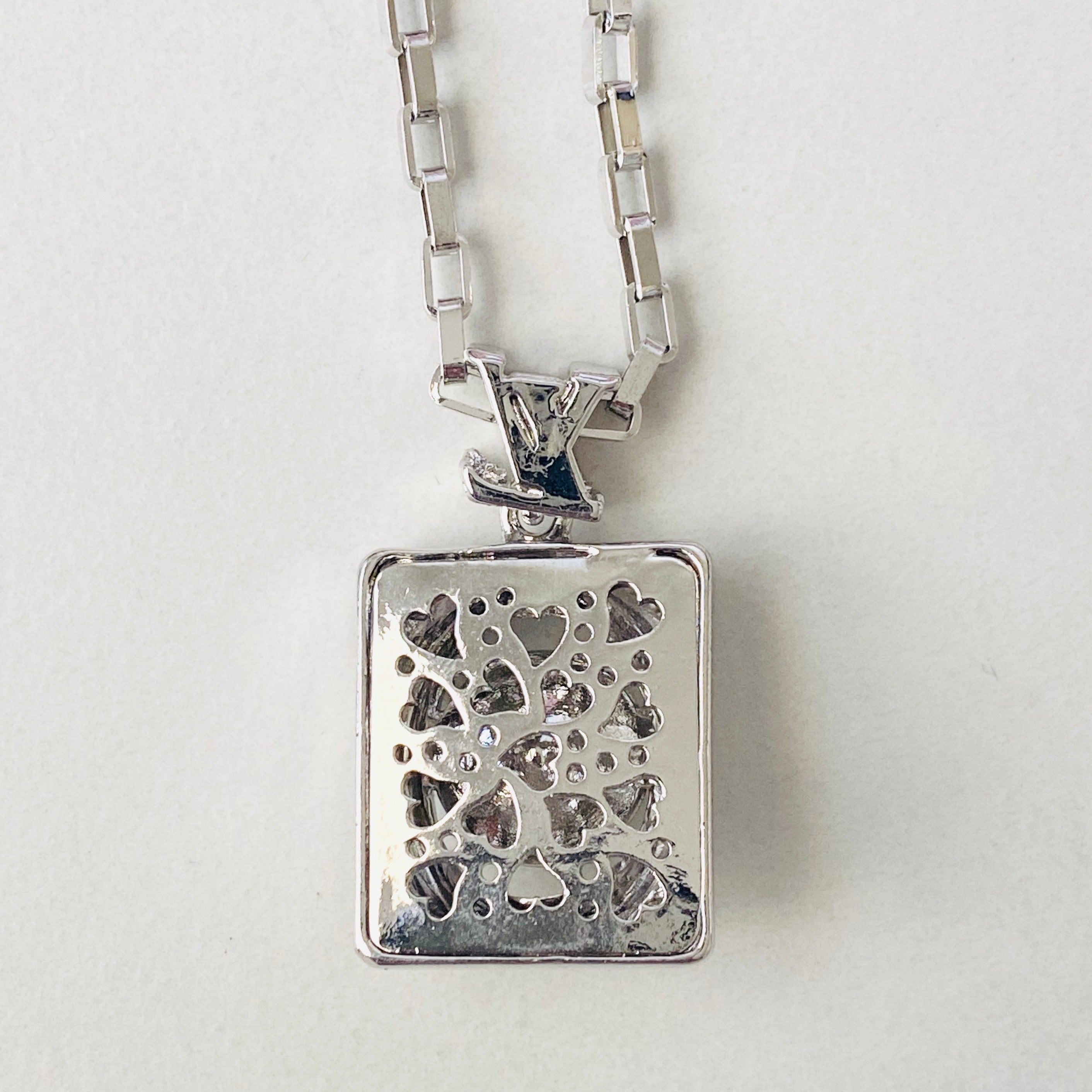 LV Diamond Pendany Necklace