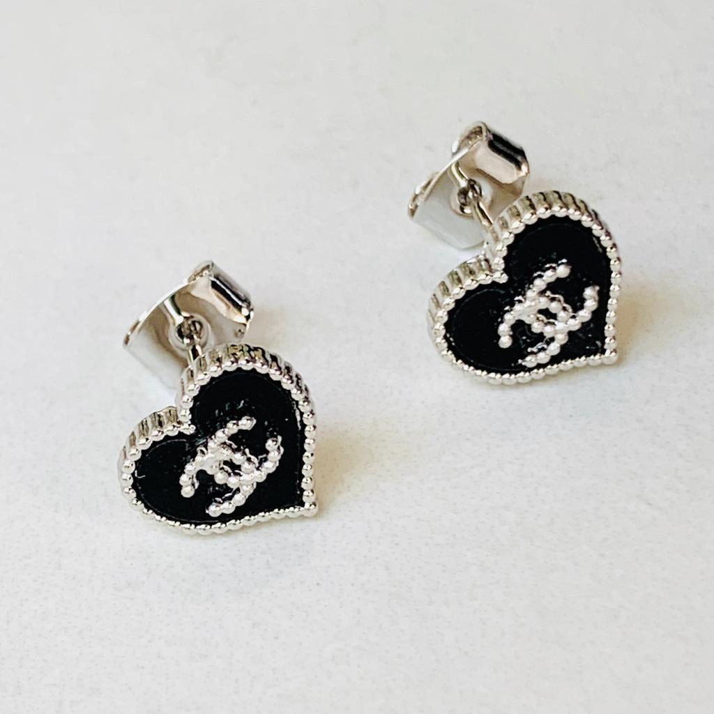 CC Heart Blk/White Gold Earrings