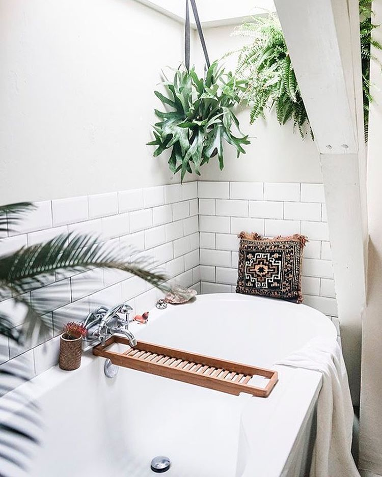 5 Essentials for a Sustainable Bathroom (with useful links)