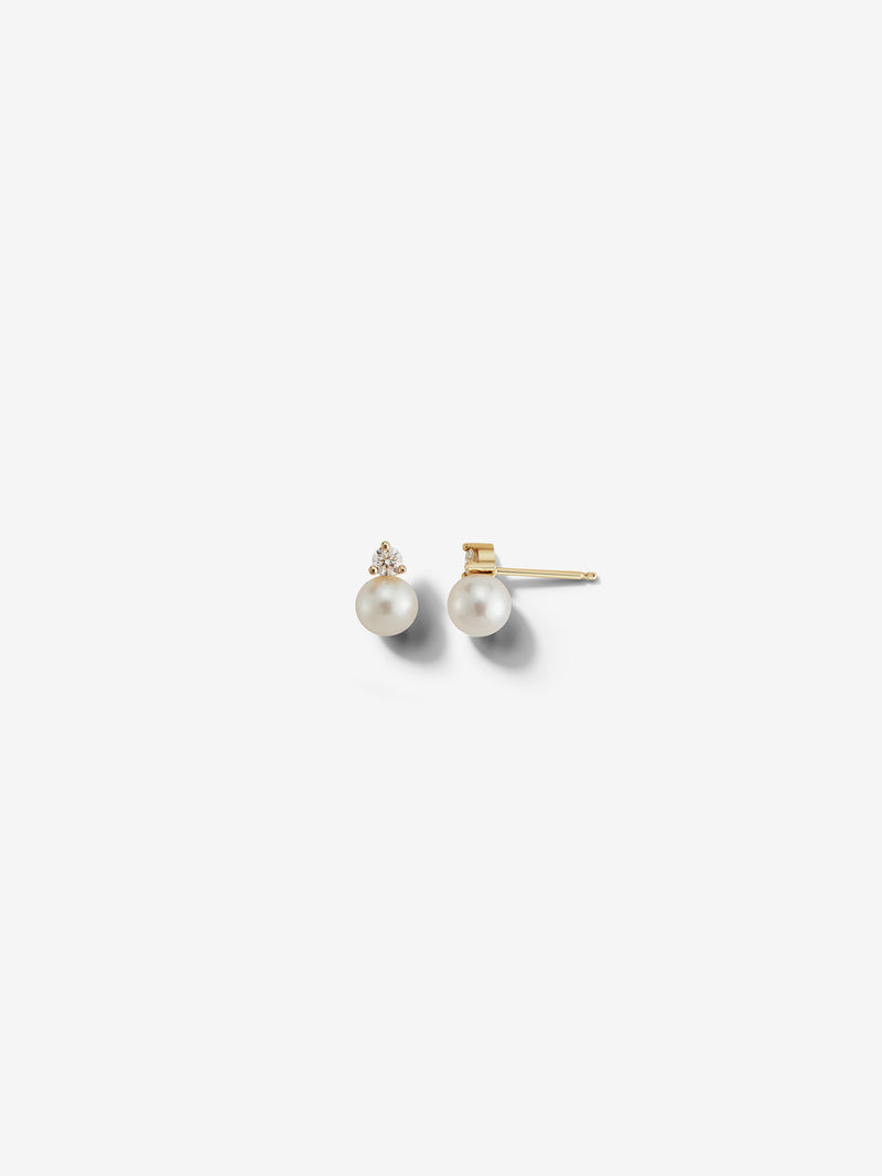 Sea of Beauty Collection.  Small Pearl and Diamond Studs SBE242