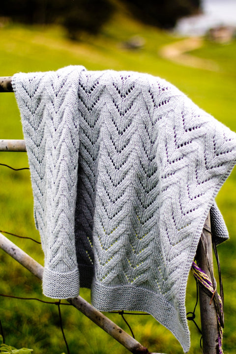 Bc11 - Twisty Lace Blanket
