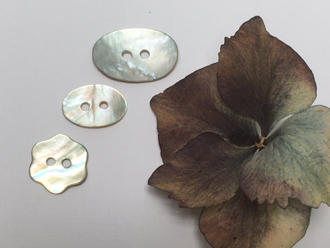 Shell Buttons…Flower & Oval
