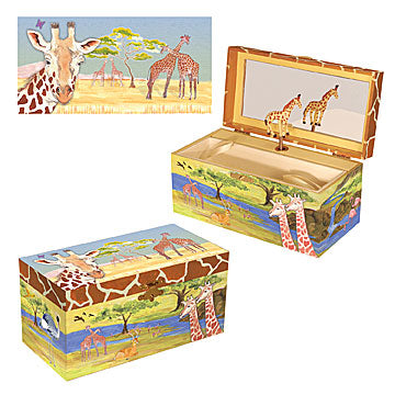 Giraffe Music Box Three-in-one View | Beautiful childrens gifts and decor from Enchantmints