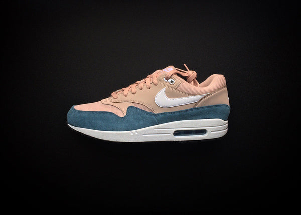 "NIKE AIR MAX 1 WMNS ""CELESTIAL TEAL - PARTICLE BEIGE"" (2018) - ATLAS"