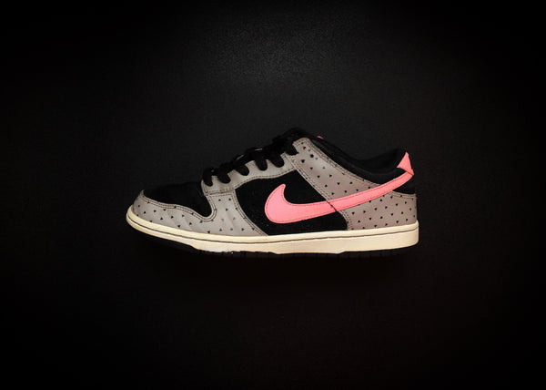 "NIKE DUNK LOW WMNS ""GREY - PINK - BLACK DOTS"" (2012) - ATLAS"