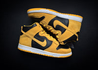 "NIKE DUNK HIGH PRO SB ""IOWA"" (2005) - ATLAS"