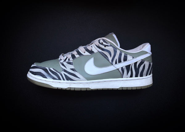 "NIKE DUNK LOW ""DAKTARI - ZEBRA"" (2003) - ATLAS"