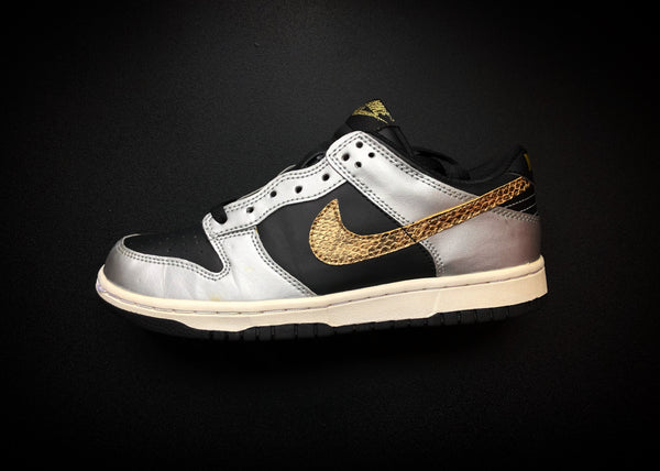 "NIKE DUNK LOW GS ""YEAR OF THE SNAKE"" [2012]"