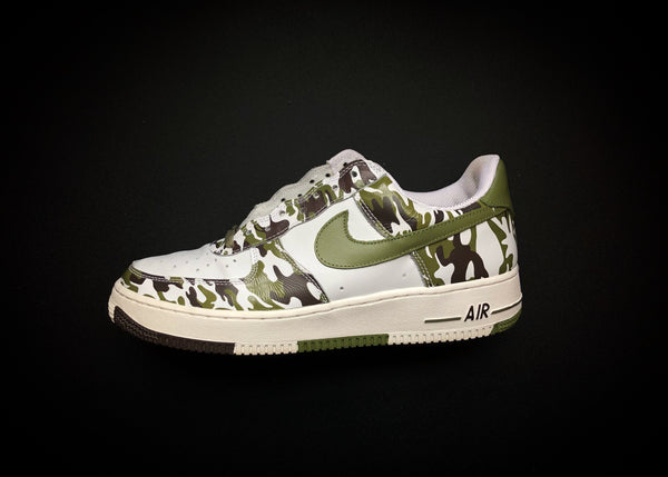 "NIKE AIR FORCE 1 LOW ""GREEN CAMO"" (2004)"
