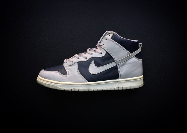 "NIKE DUNK HIGH LE ""OBSIDIAN - ZEN GREY"" (1999) - ATLAS"