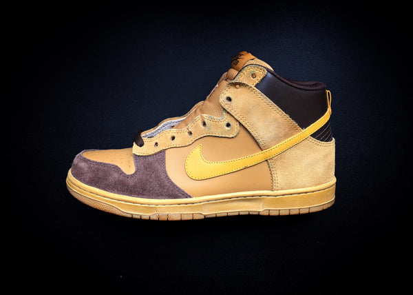 "NIKE DUNK HIGH SB EMB ""CHUTNEY - BAROQUE BROWN"" (2006) - ATLAS"