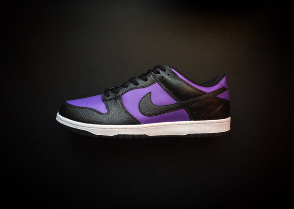 "NIKE DUNK LOW ""VARSITY PURPLE"" (2011) BE TRUE TO YOUR STREET - ATLAS"