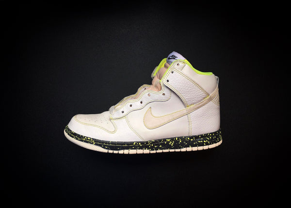 "NIKE DUNK HIGH EAST ""SWAN VOLT"" (2009) - ATLAS"