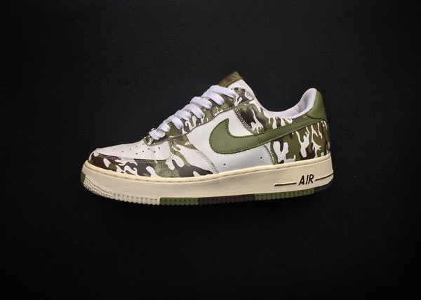 "NIKE AIR FORCE 1 LOW ""CAMO"" (2004) - ATLAS"