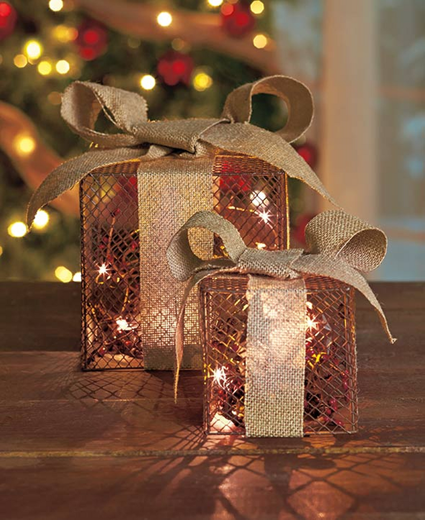 Set of 2 Wire Mesh Burlap Bow Lighted Gift Boxes Country Christmas Decor