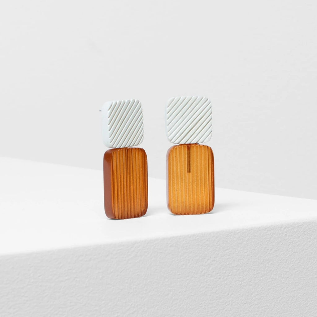 Earrings | Smilla | White & Brown