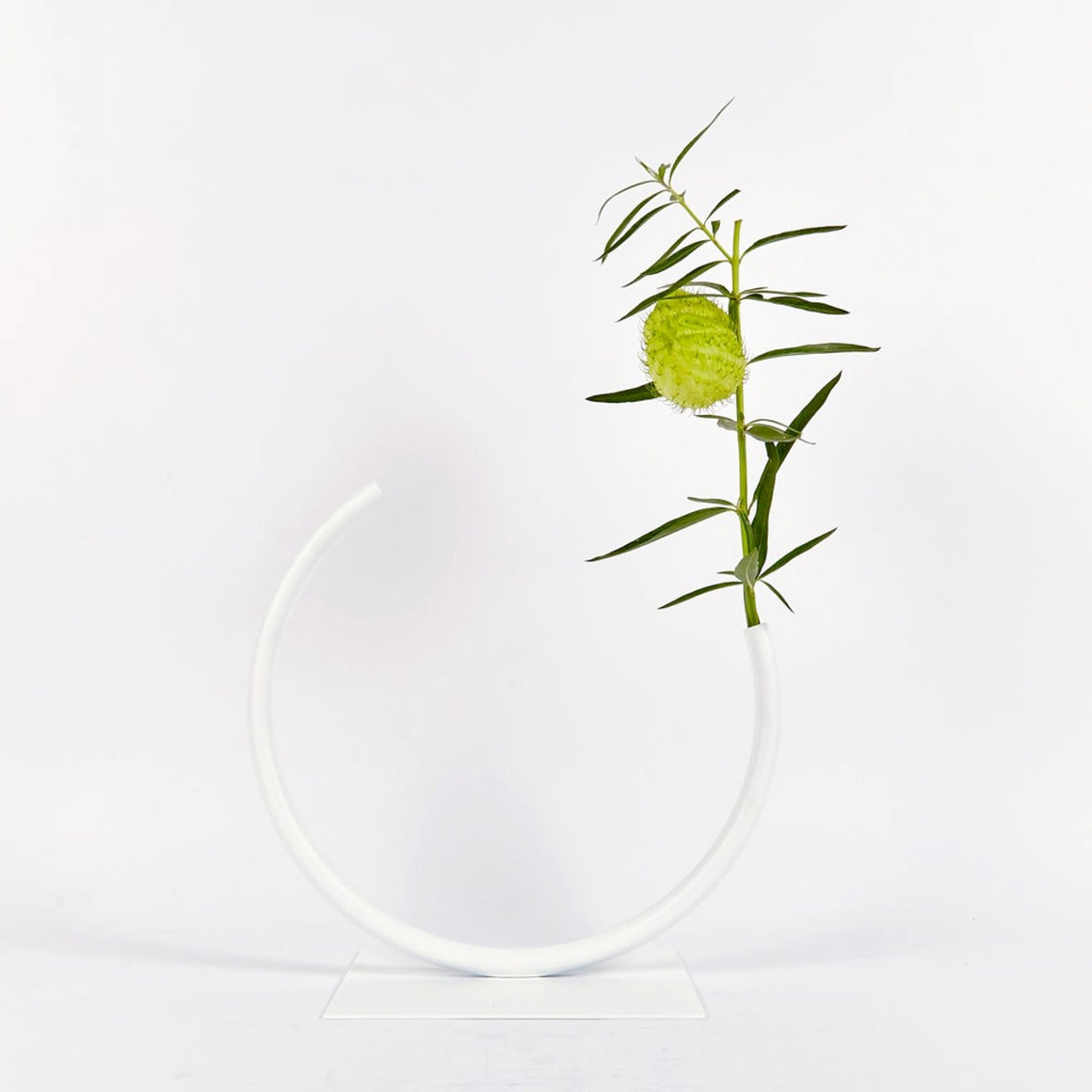 Vase | Edging over | white | Made by ACV studio