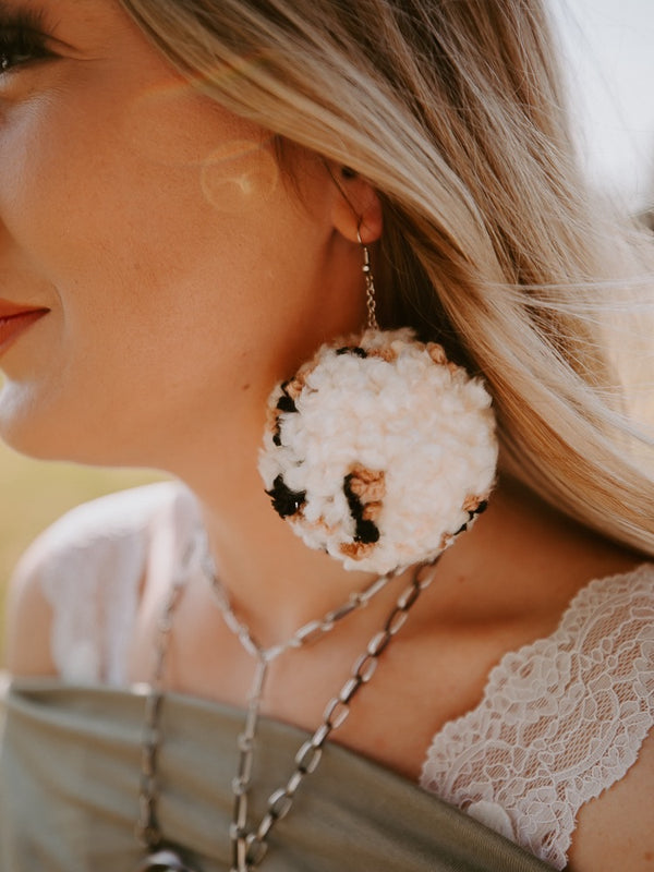 Medium Pom Earrings
