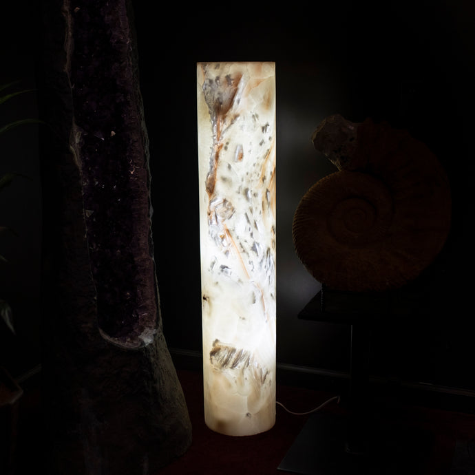Onyx Pedestal Lamp Lighted