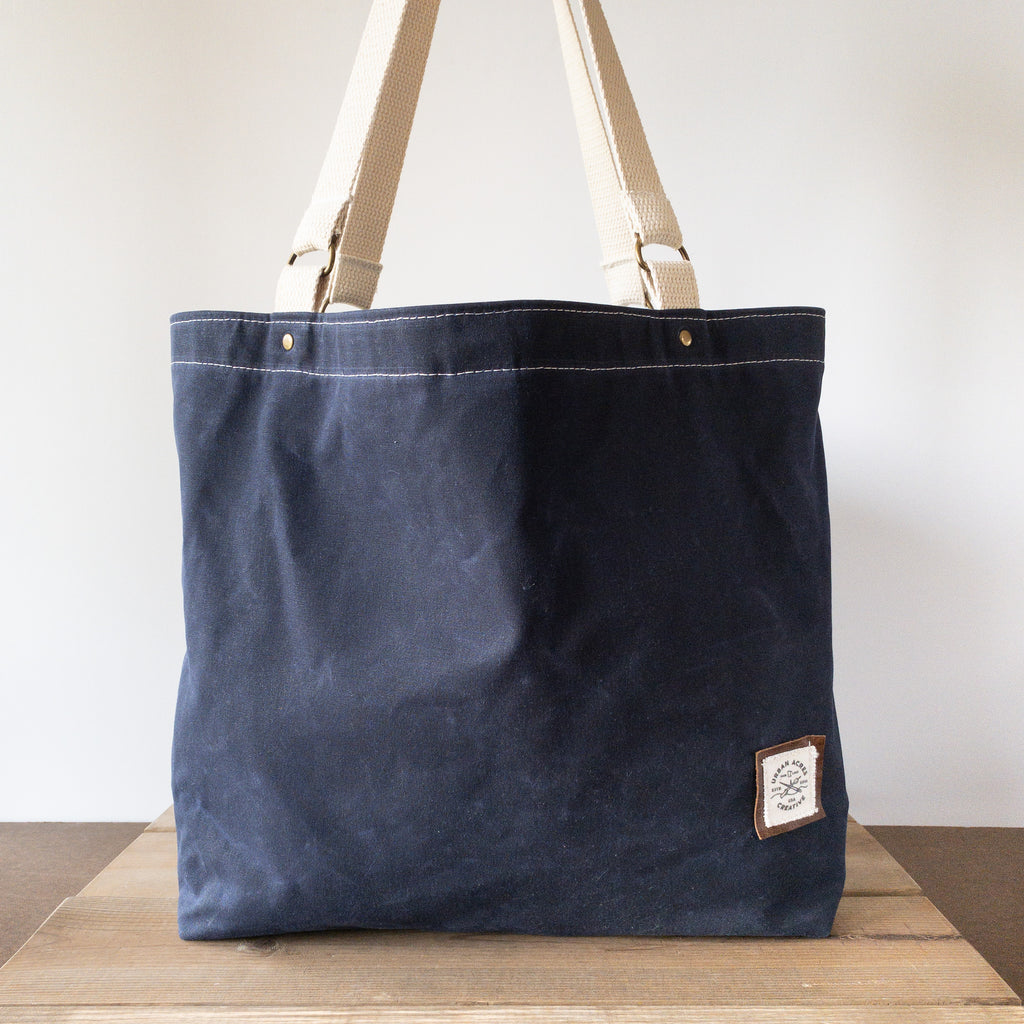 ALEXANDRIA - Large Tote Bag - Navy + Red Polka Dot