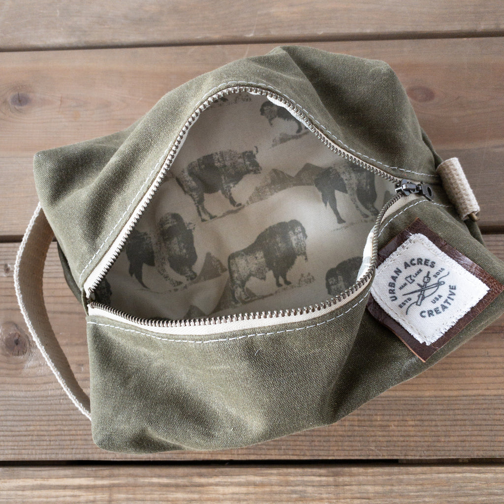 COLLEGEVILLE - Dopp Kit - Olive + Buffalo