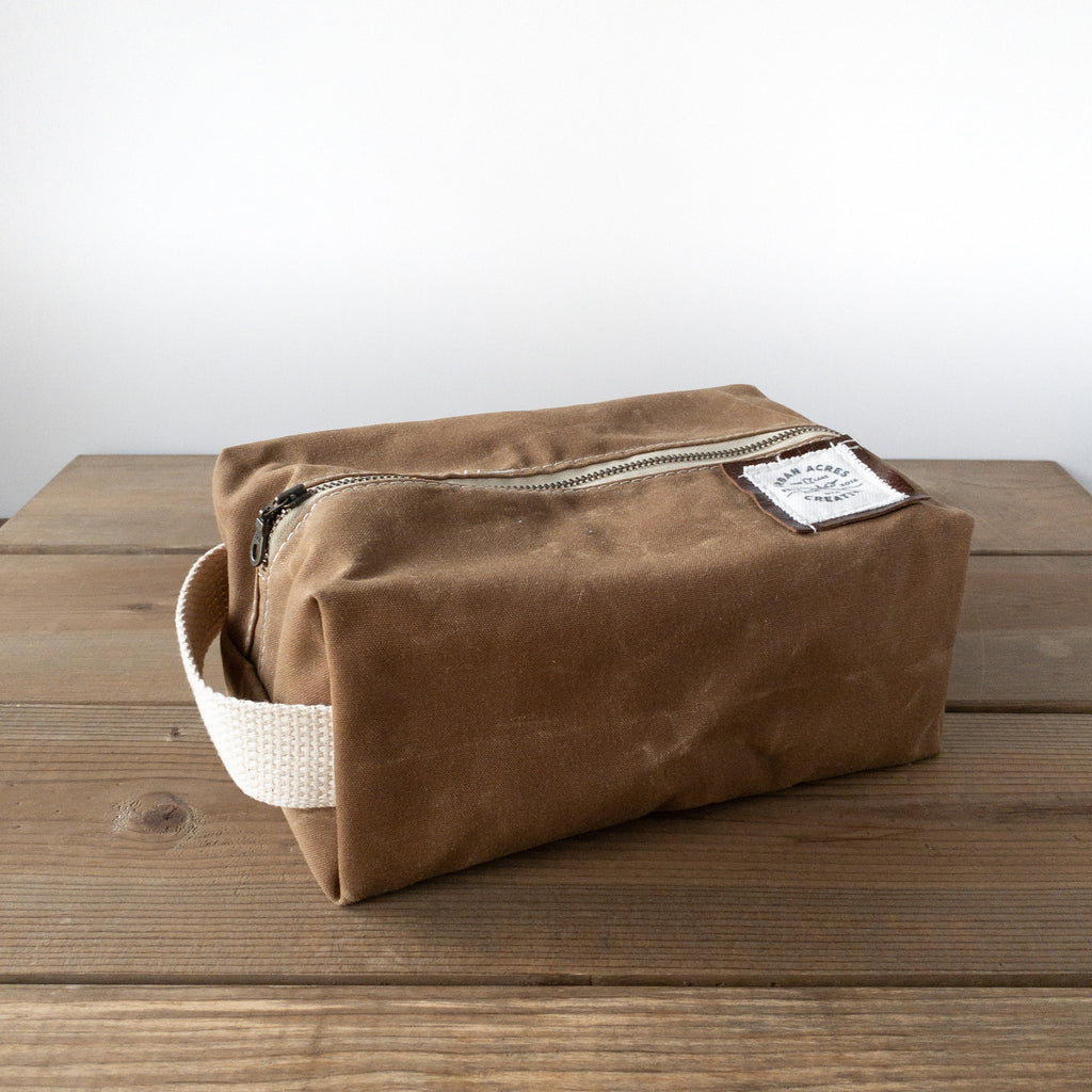 COLLEGEVILLE - Dopp Kit - Tan + World Map