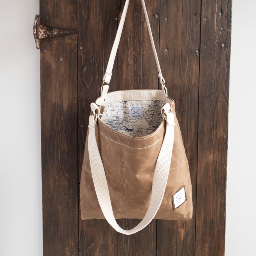 BLAINE - Small Tote Bag - Tan + World Map
