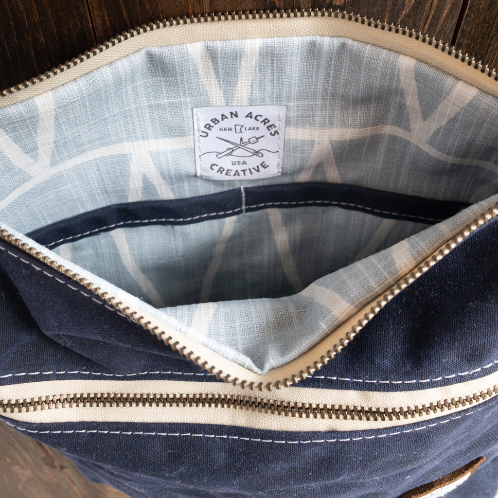 BRECKENRIDGE - Large Crossbody - Navy + Light Blue