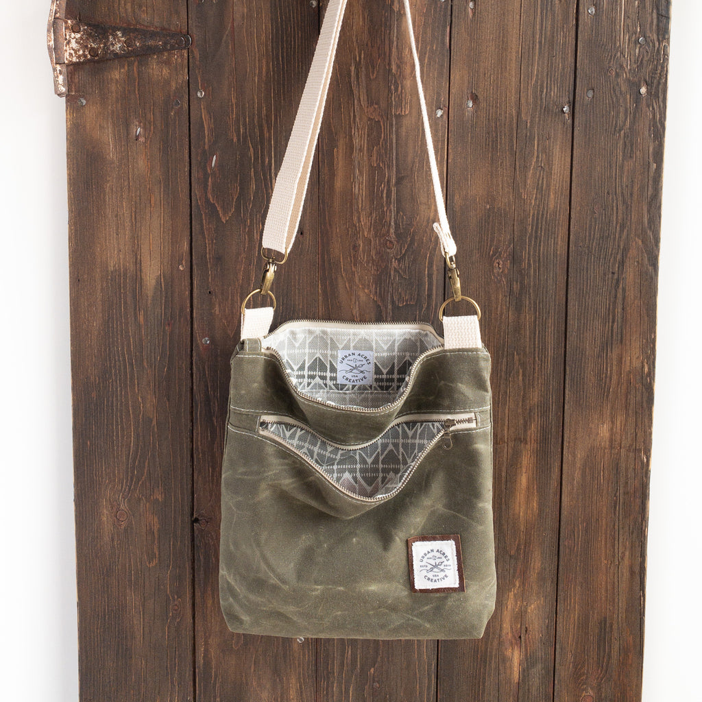 BRECKENRIDGE - Large Crossbody - Olive + Blush Chev