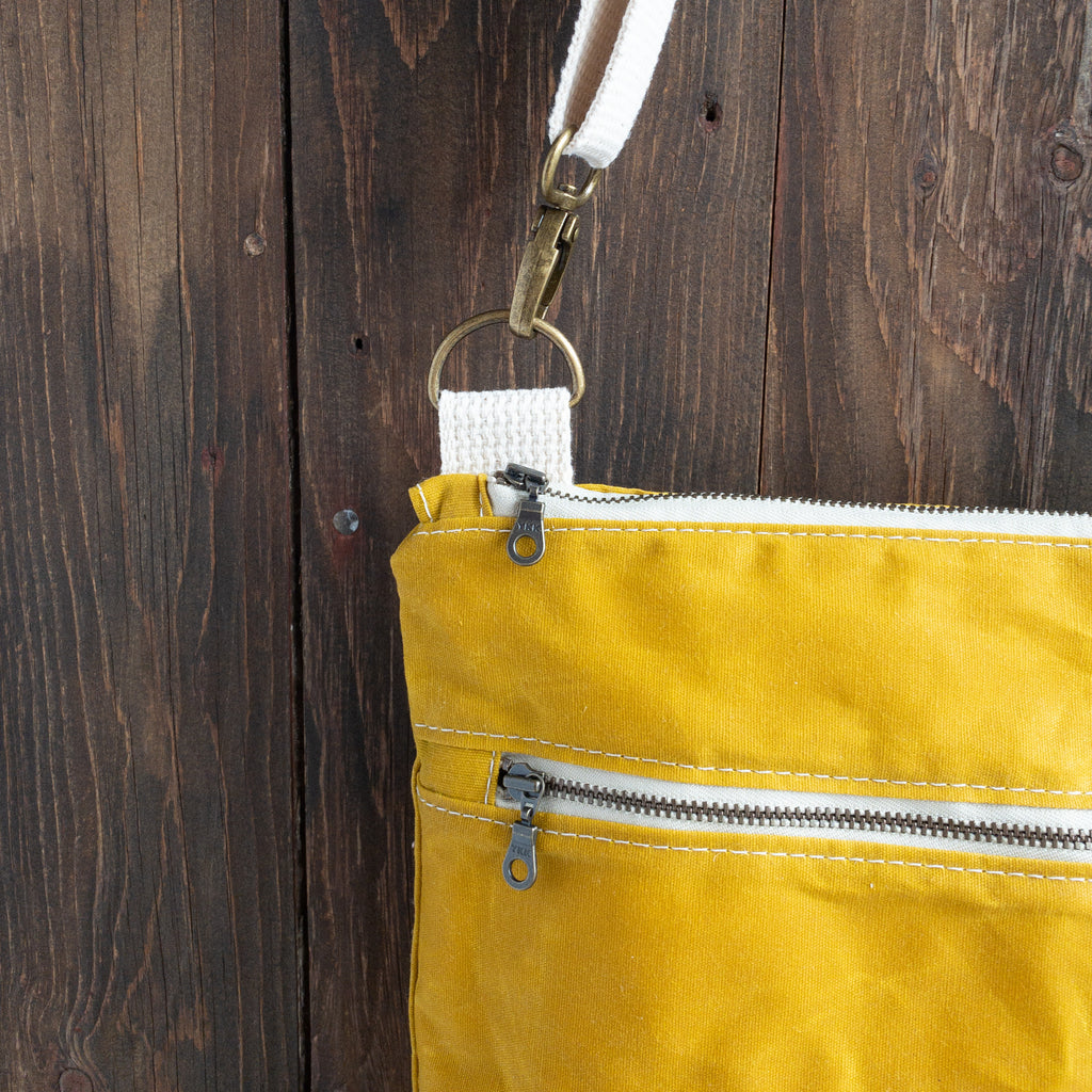 BRECKENRIDGE - Large Crossbody - Mustard + Navy Floral