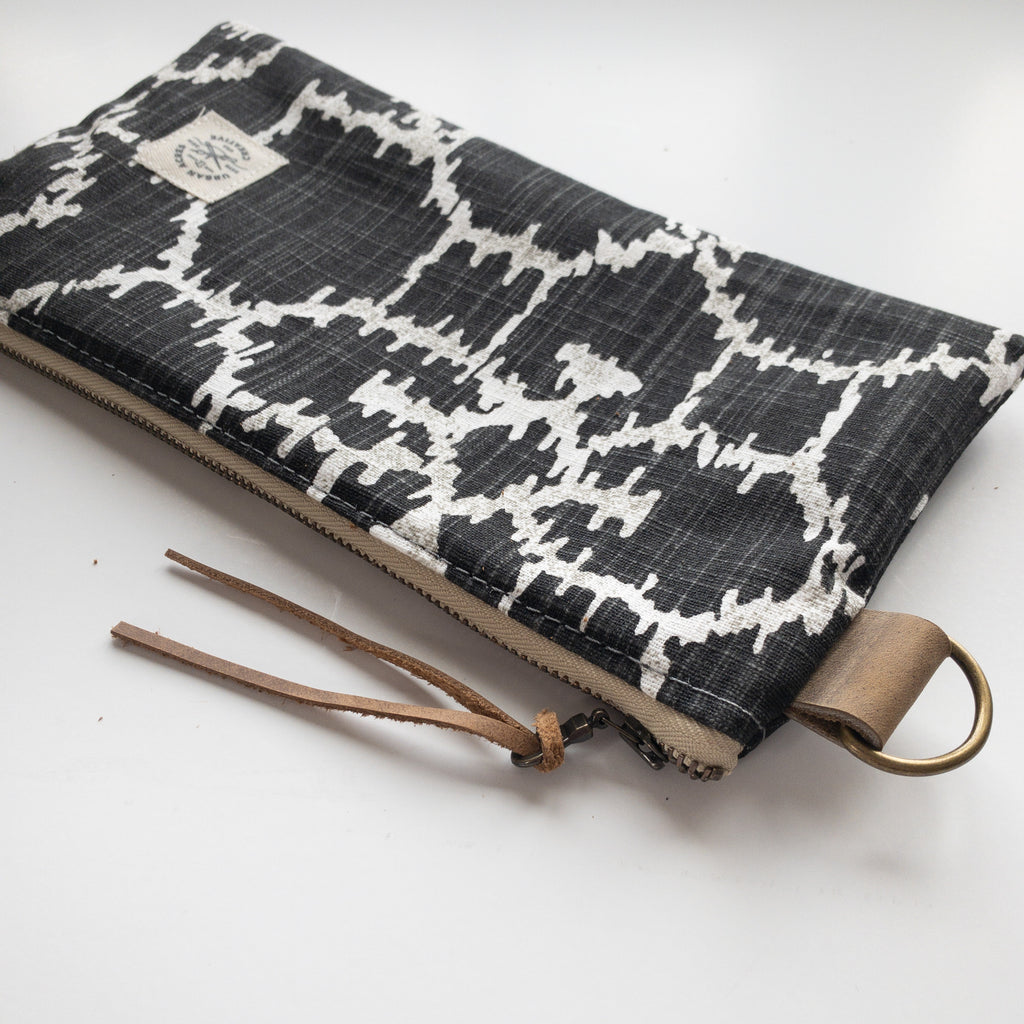 EVELETH - Zip Pouch - Black Ikat