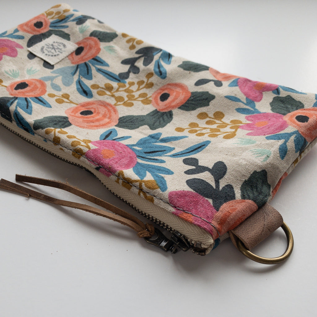 EVELETH - Zip Pouch - Natural Floral